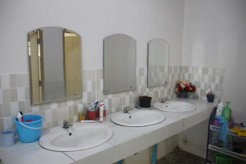 Girl's bathroom – sinks and mirrors.