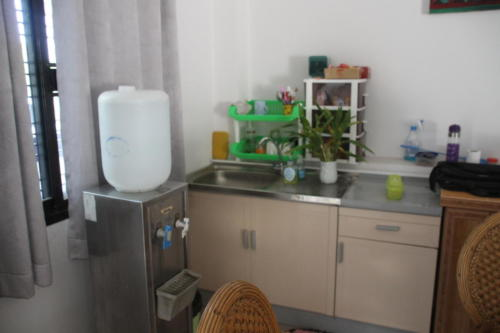 Sink and water cooler in the meeting room.